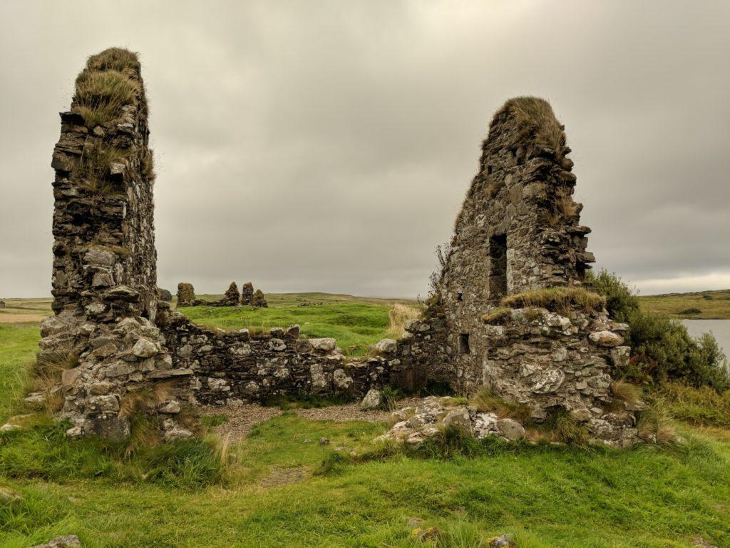 Finlaggen-ruins-1024x768